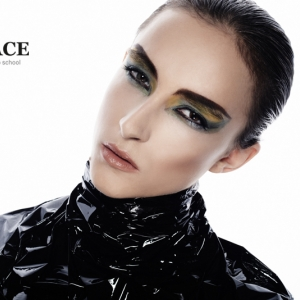 beauty-make-up-kurz-kurz-liceni-a-vizazistiky-surface-9