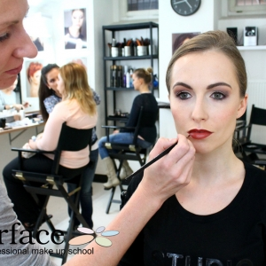 kurz-liceni-vizazistiky-basic-make-up-surfacemakeup-10