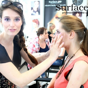 kurz-liceni-vizazistiky-basic-make-up-surfacemakeup-22