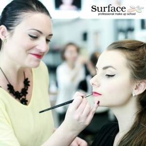 kurz-liceni-vizazistiky-basic-make-up-surfacemakeup-38