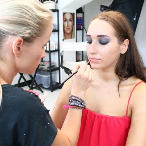 kurz-liceni-vizazistiky-basic-make-up-surfacemakeup-46